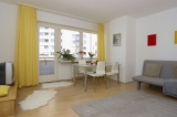 Bild Zentral! Geräumiges 2-Zi.-Apartment (57 qm) - (007) - English text below